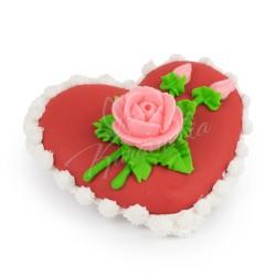 """Сахарная фигурка """"Красное сердце с веточкой розы"""""""